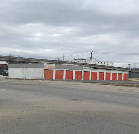 300 S. Main (401 S. Main)-Outside Picture